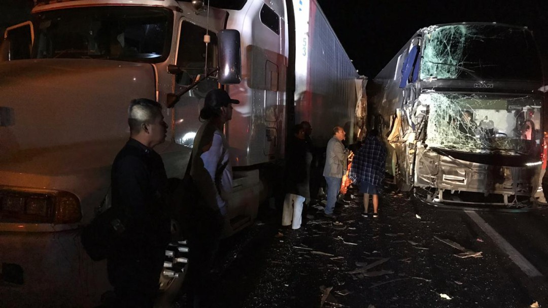 Accidente deja al menos 20 lesionados en San Juan de los Lagos