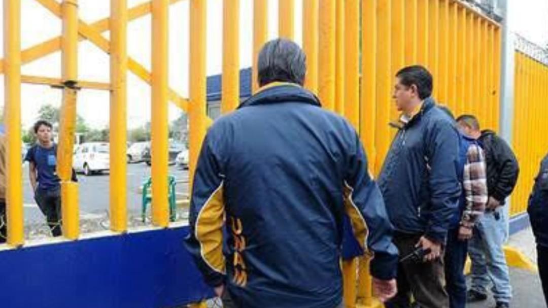 Paristas de la UNAM entregan prepas 4 y 8