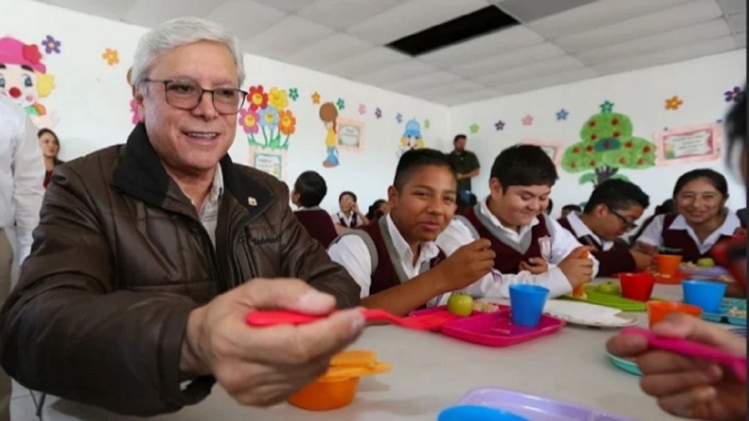 Elevará Bonilla a rango constitucional desayunos escolares