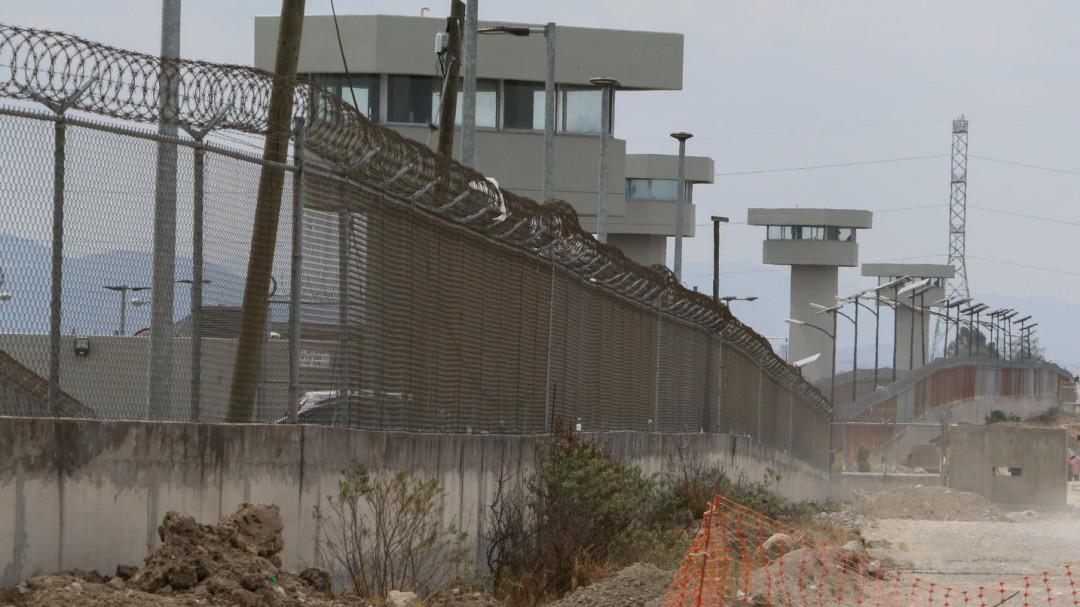 Trasladan a tres reos de alta peligrosidad a Penal del Altiplano
