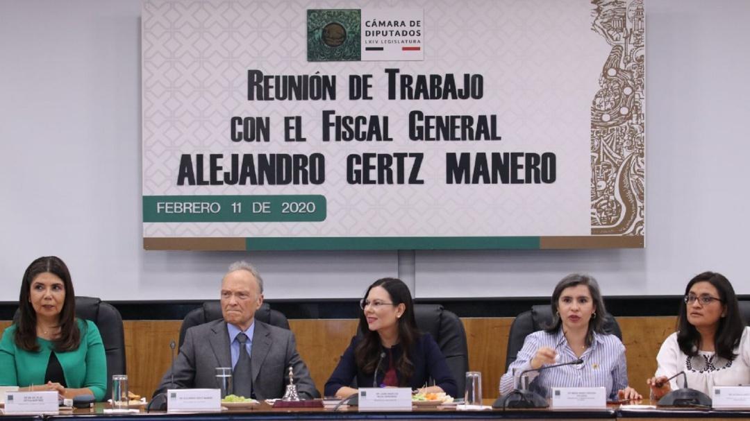 Ante diputadas, Gertz Manero niega haber propuesto eliminar feminicidio