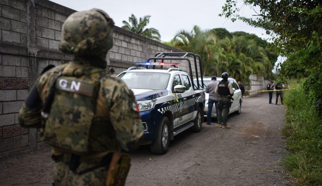Encuentran a 8 ejecutados en rancho de Huetamo