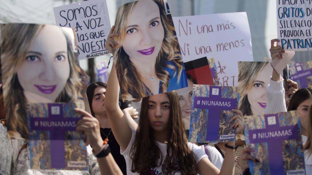 Creación de Fiscalía contra feminicidios corresponde a Congresos y FGR