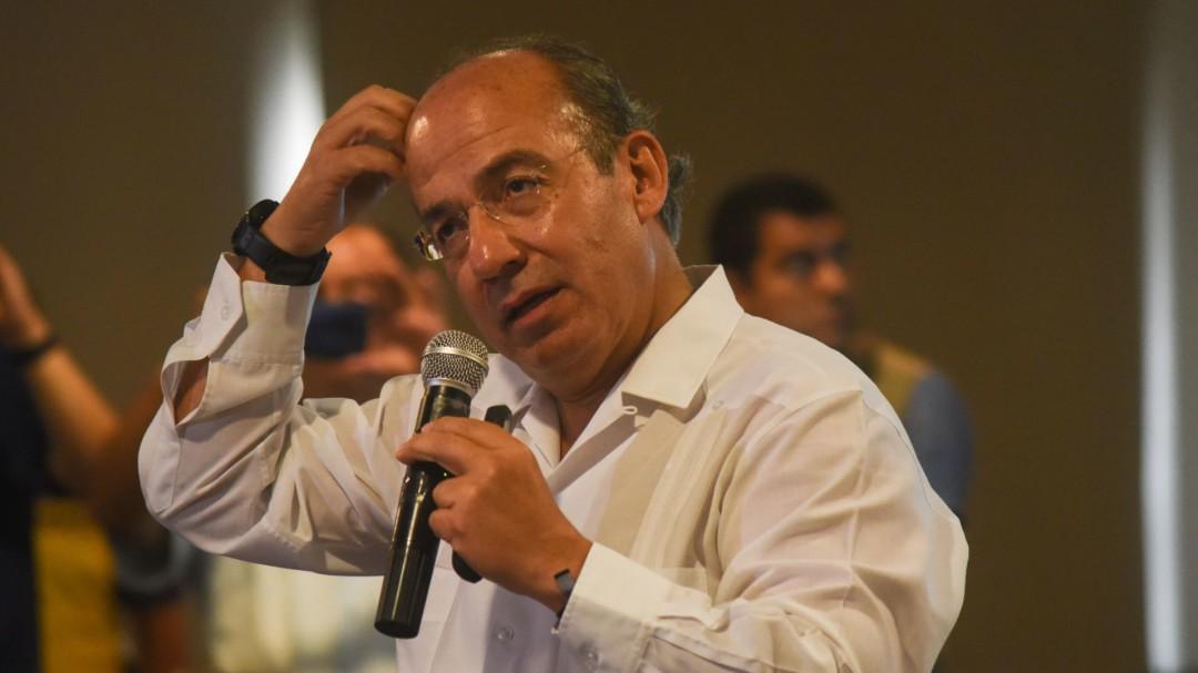 AMLO hace daño al país y es peligroso para MX: Felipe Calderón