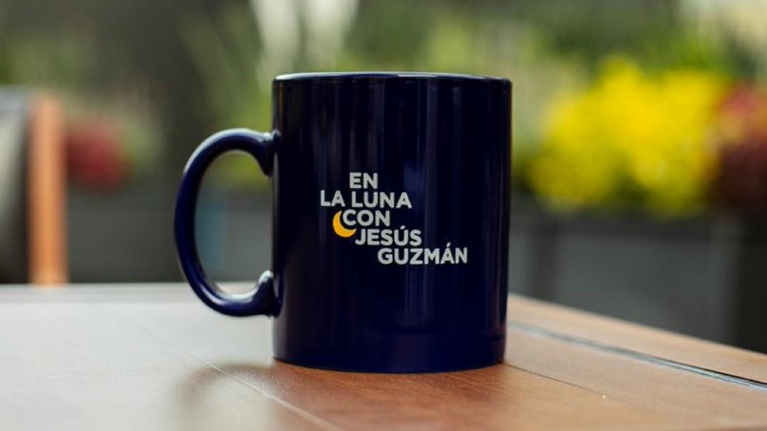 En la luna con Jesús Guzmán