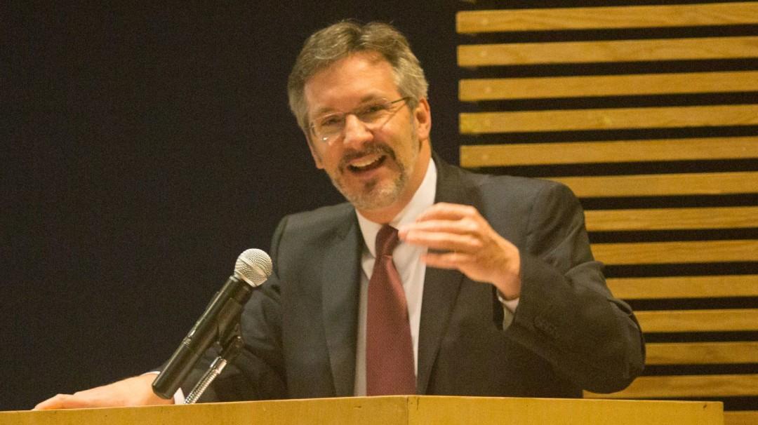 Propone CNDH a John Ackerman para Comité Técnico en INE