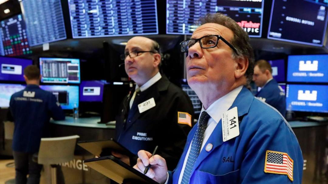Wall Street se derrumba ante coronavirus; Dow Jones tiene caída récord