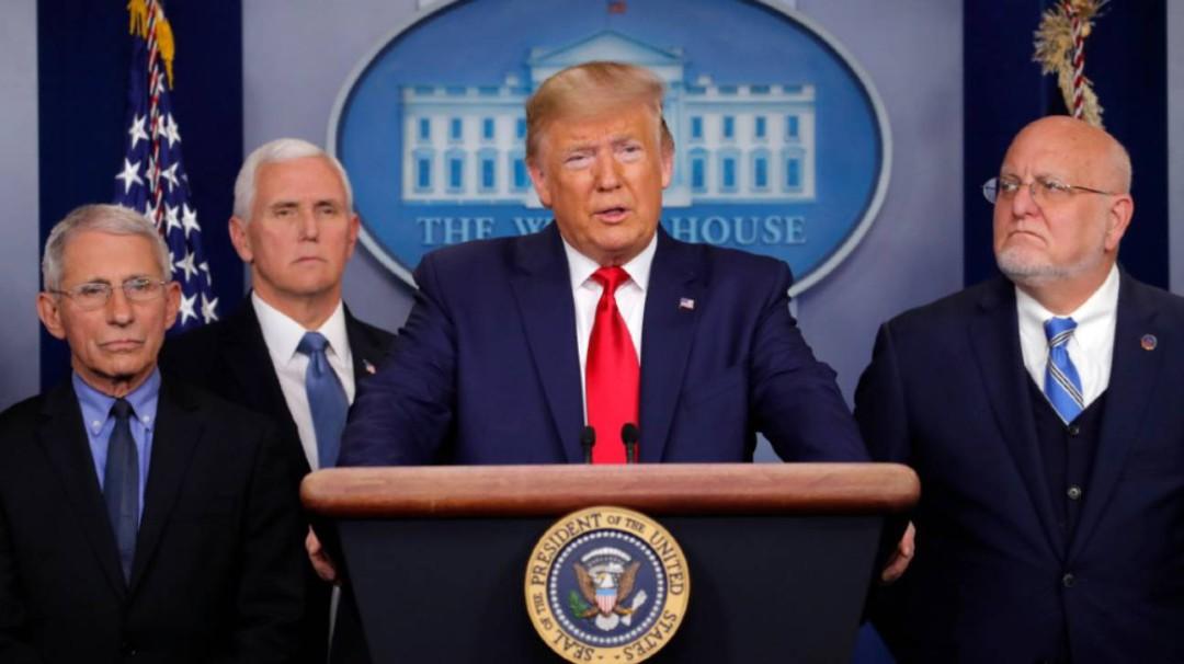 Analiza Trump restringir frontera con México por coronavirus