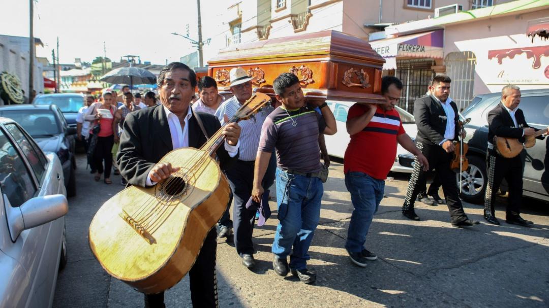 Autoridades siguen sin dar la cara a familiares de fallecida en Tabasco