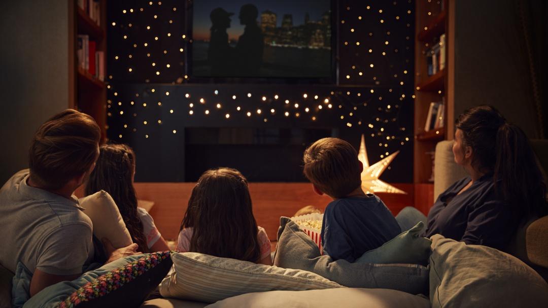 Las series y películas que no te puedes perder cuando te quedas en casa