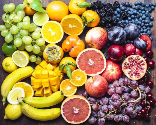 Frutas y verduras como cítricos como la mandarina y el limón