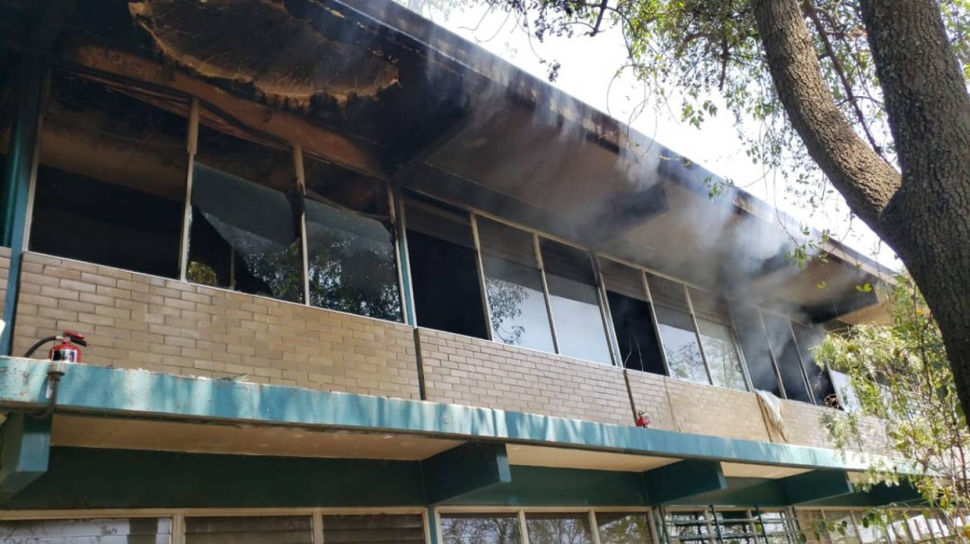 Paristas provocan incendio en CCH Sur