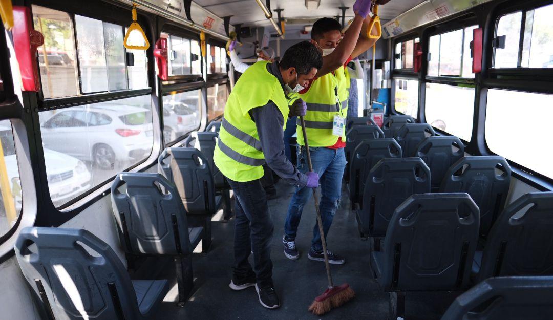 Usuarios del transporte público piden mayor limpieza