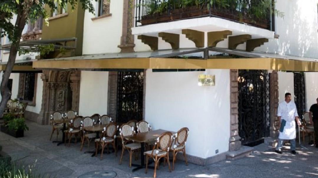 Piden comerciantes de Condesa suspensión de pago a parquímetros