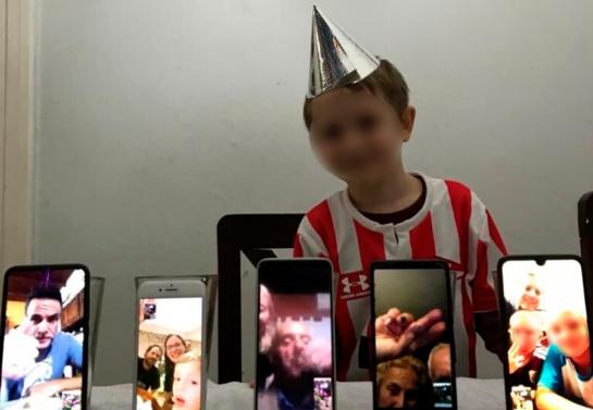 La familia de León al ver que la situación se salía de sus manos, encontró la manera de festejar el cumpleaños del niño durante la cuarentena