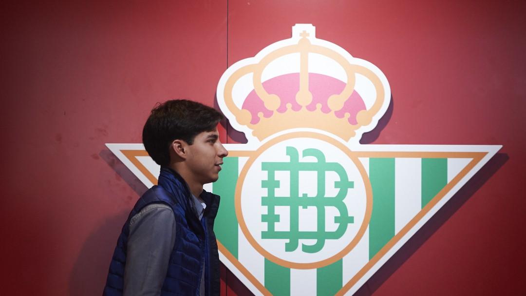 Diego Lainez pidió salir del Betis
