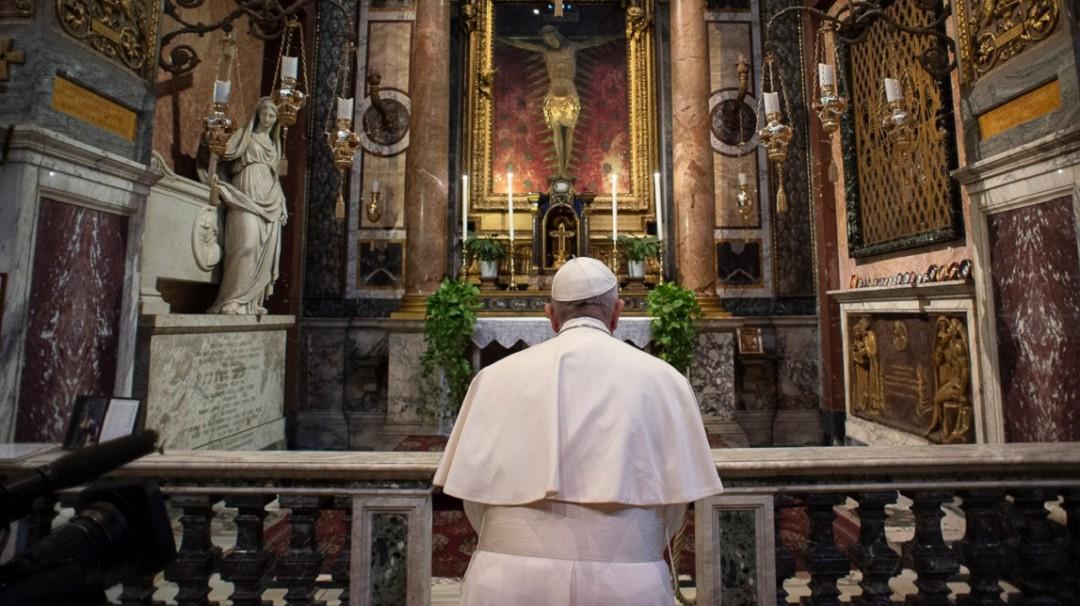 Vaticano transmite en vivo oración del Papa por el mundo