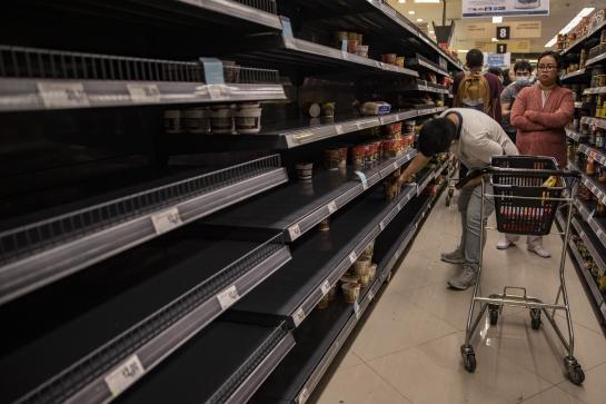 Los supermercados de Filipinas también están pasando por compras de pánico