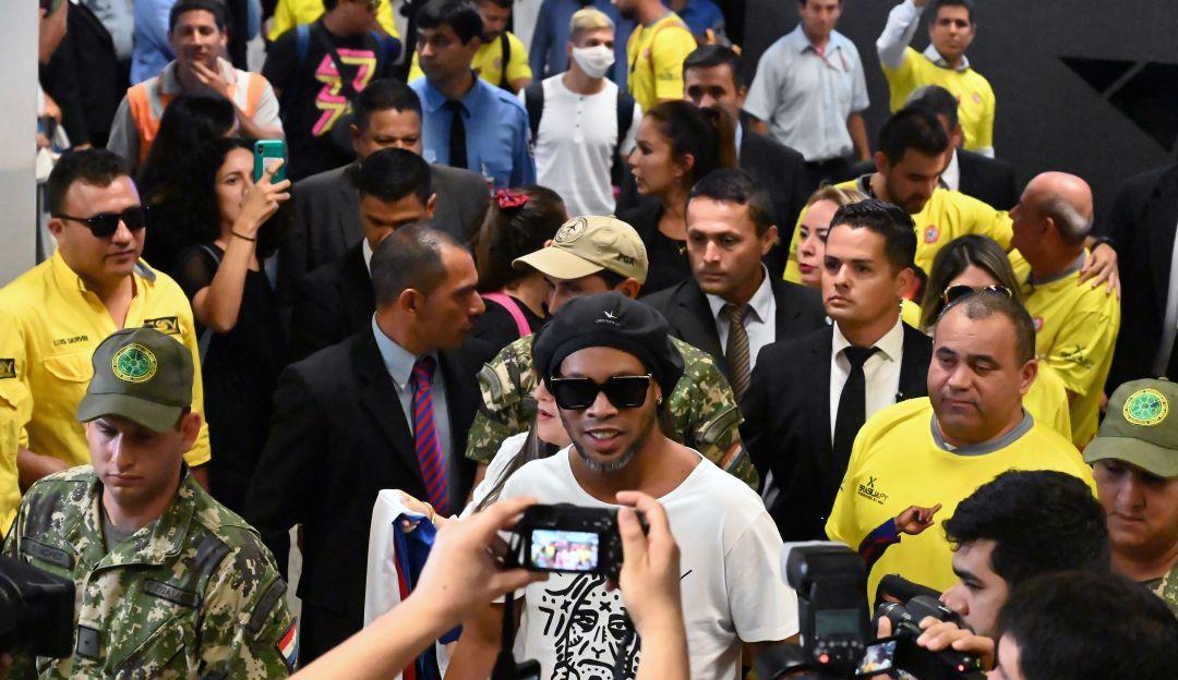 Ronaldinho saldría del FIFA por estar en prisión
