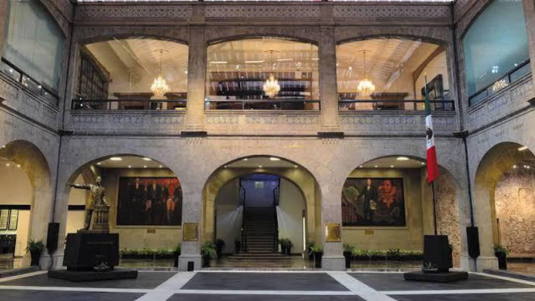 Senadores disponen de antigua sede para habilitar hospital