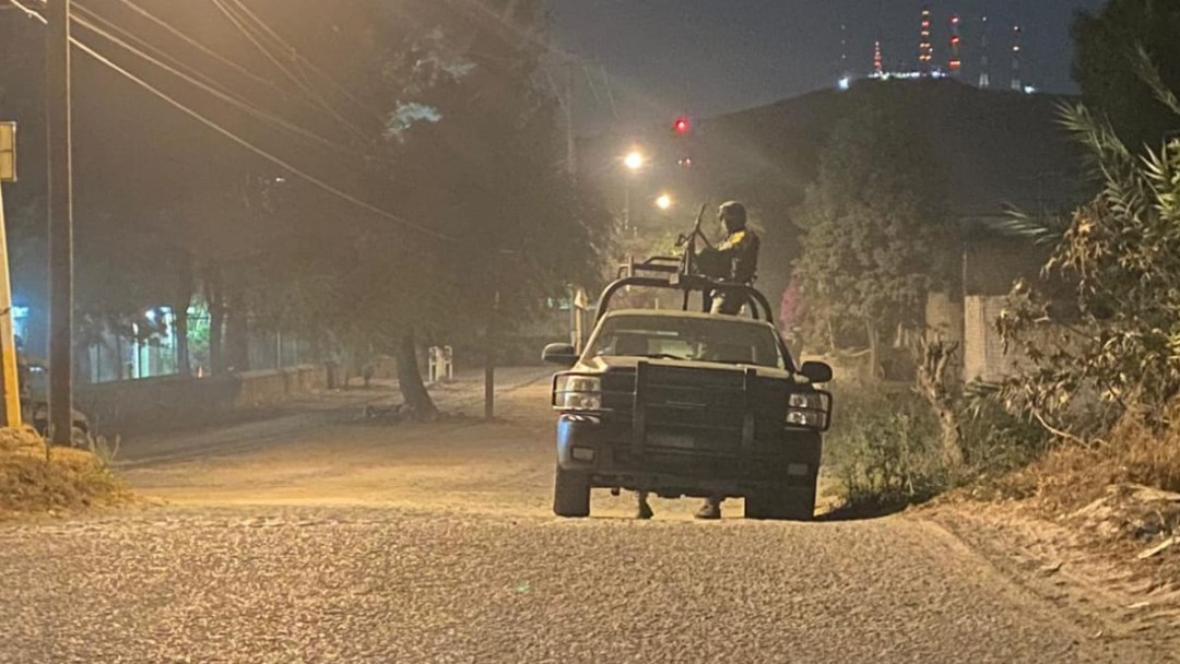 Enfrentamiento entre militares y hombres armados deja dos muertos