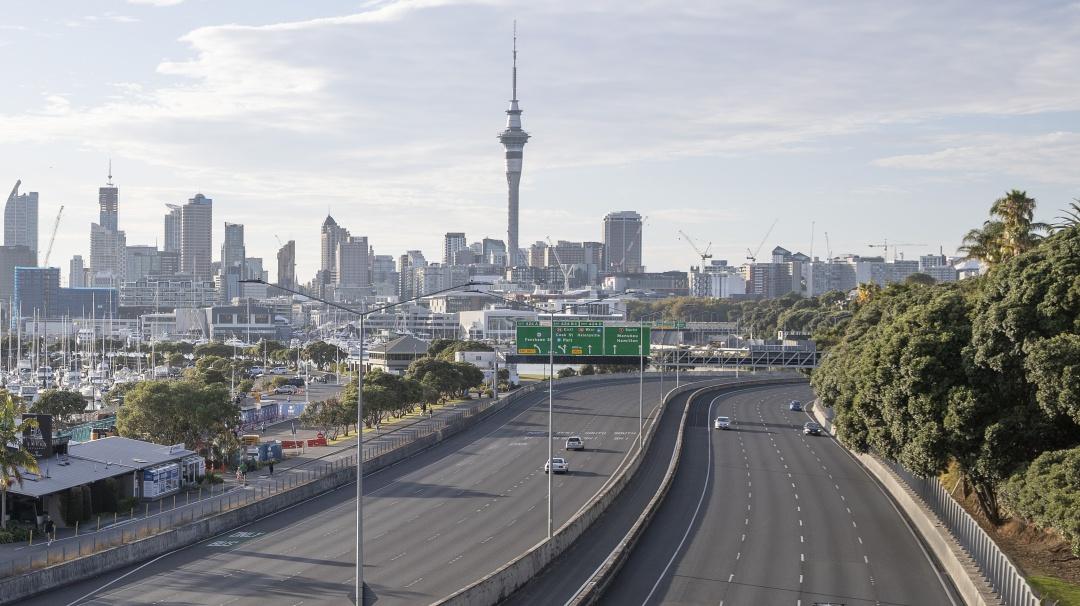 Nueva Zelanda no solo está conteniendo el coronavirus, lo está eliminando
