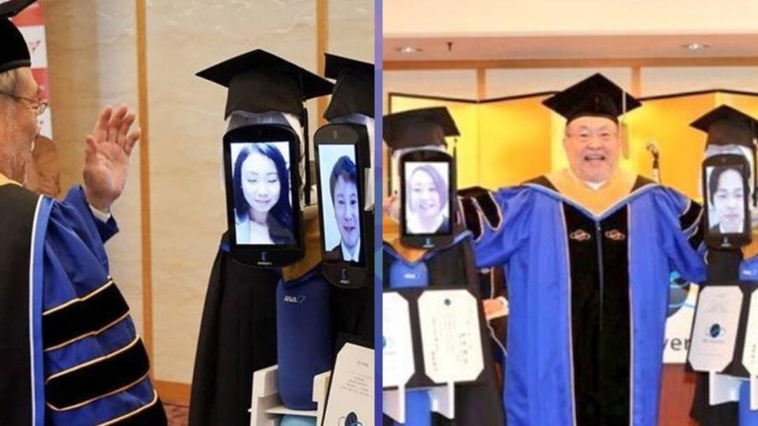 Por coronavirus robots recogen diplomas de estudiantes que se graduaron