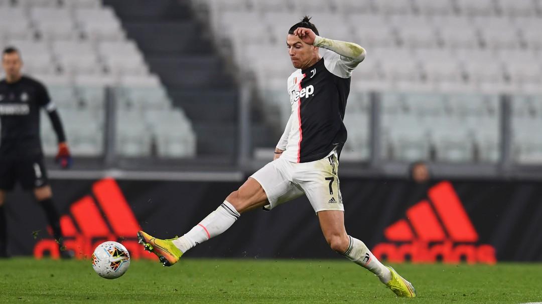 Cristiano Ronaldo entrenó en plena cuarentena