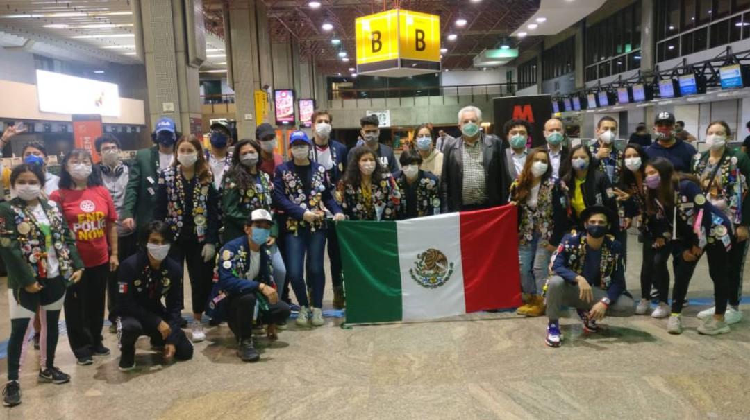Repatrian a 91 mexicanos varados en Brasil