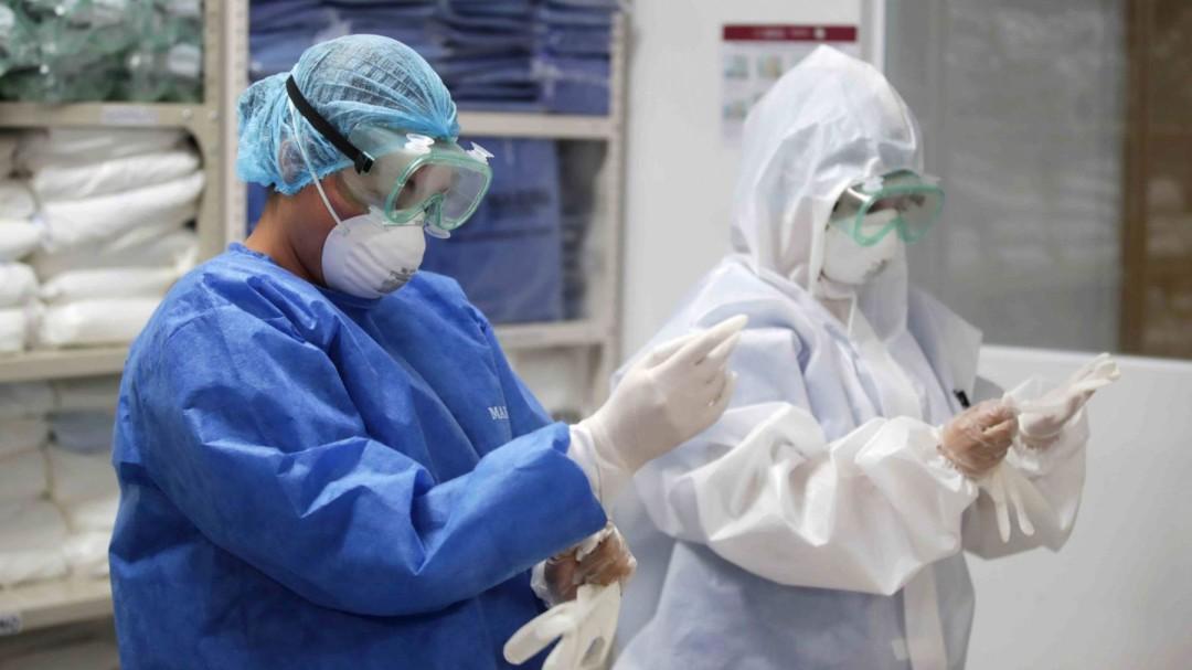 Hay muchos muertos y colapsos: enfermera del IMSS