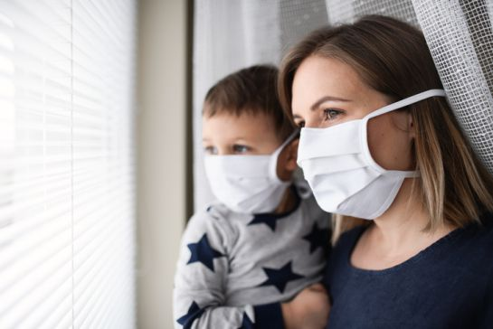 15 niños hospitalizados en Nueva York con síndrome inflamatorio Kawasaki