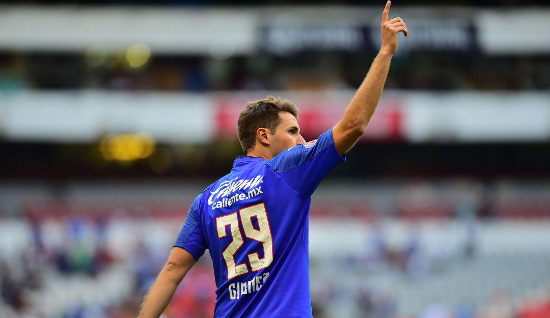 Santiago Giménez ve favorito al Cruz Azul para el título