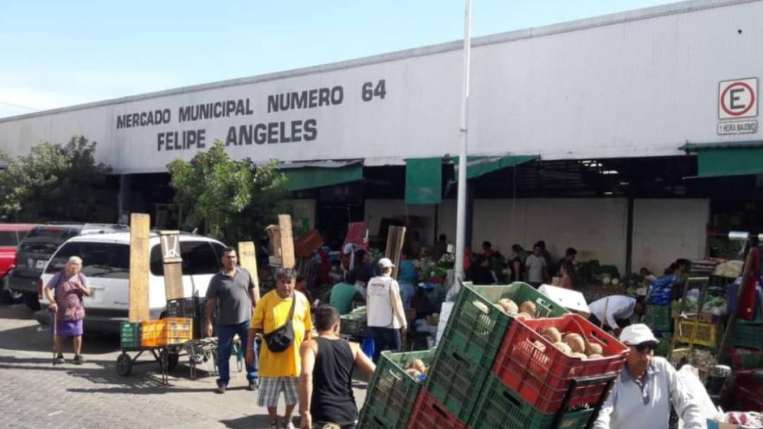 Comerciantes del Felipe Ángeles apoyan a meseros