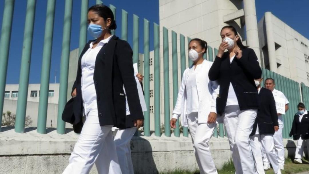 Continúan actos de discriminación a personal médico