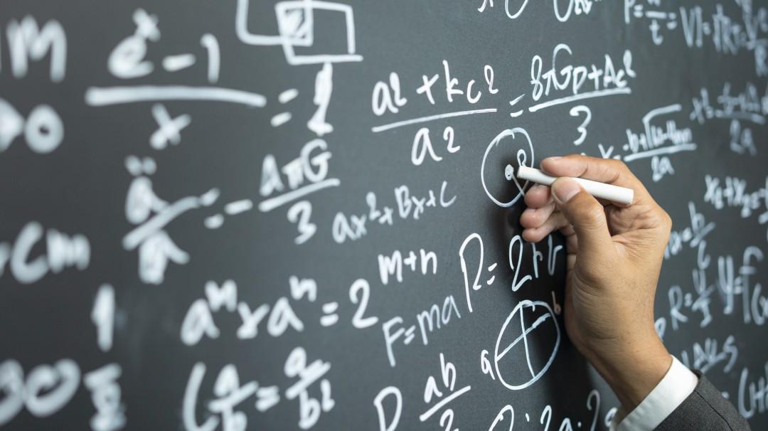 ¿Examen de matemáticas? Te compartimos canales de youtube para estudiar