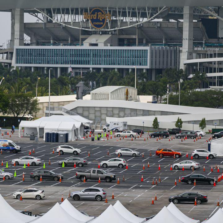 Miami convirtió su estadio en autocinema