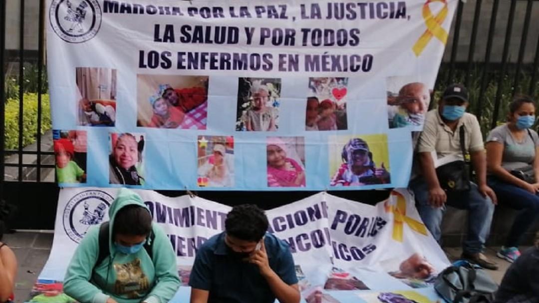 Medicamentos contra cáncer faltan sólo en México: Israel Rivas