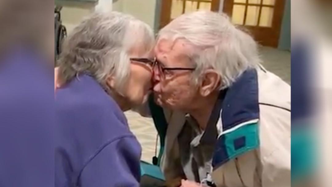 Walter y Jean, la pareja que emocionó a las redes sociales por su tierno re