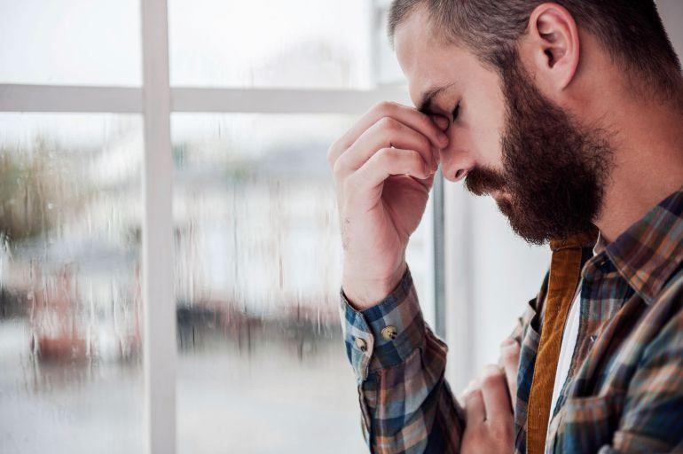 Latidos del corazón dolor de cabeza dolor de cuello