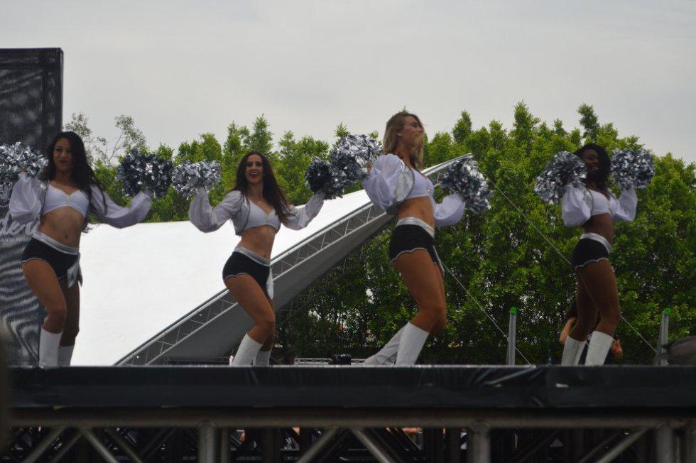 Imágenes del Fan Fest de los Raiders de Oakland en el Estadio Azteca