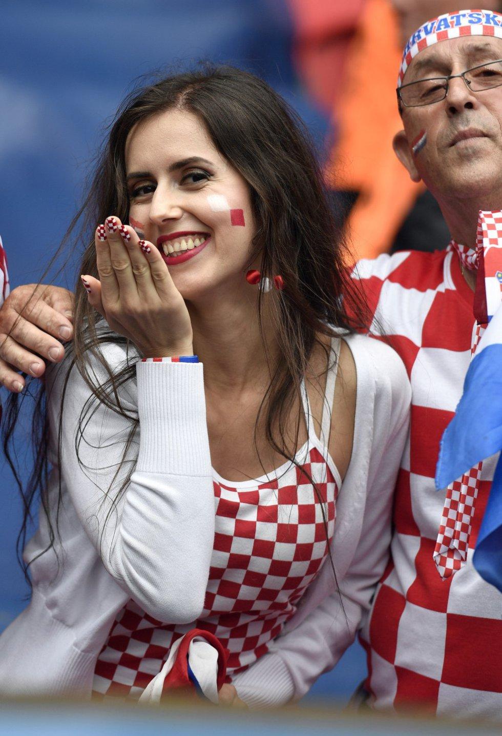 Las bellezas en las gradas de los estadios donde se celebra la Eurocopa