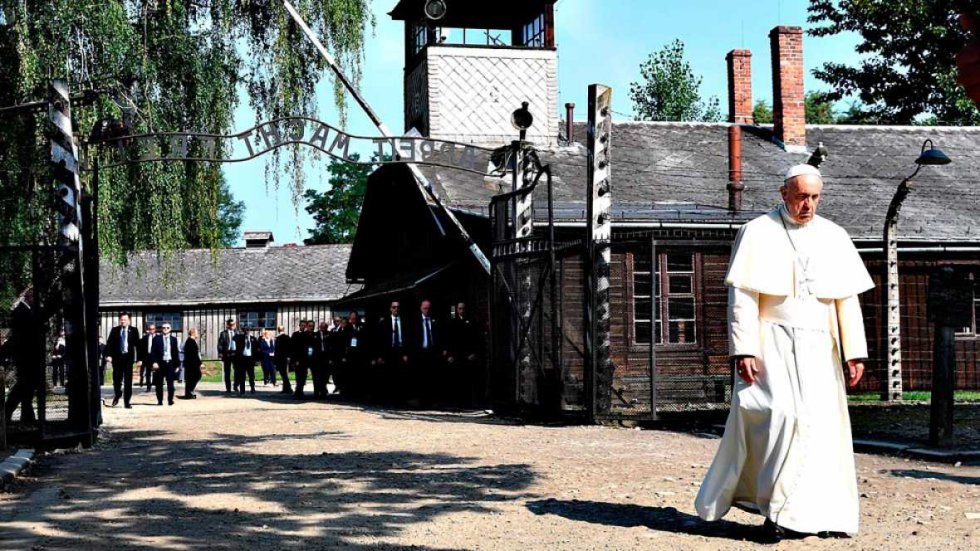 [Fotogalería] El Papa Francisco recorre el campo de exterminio nazi de Auschwitz-Birkenau