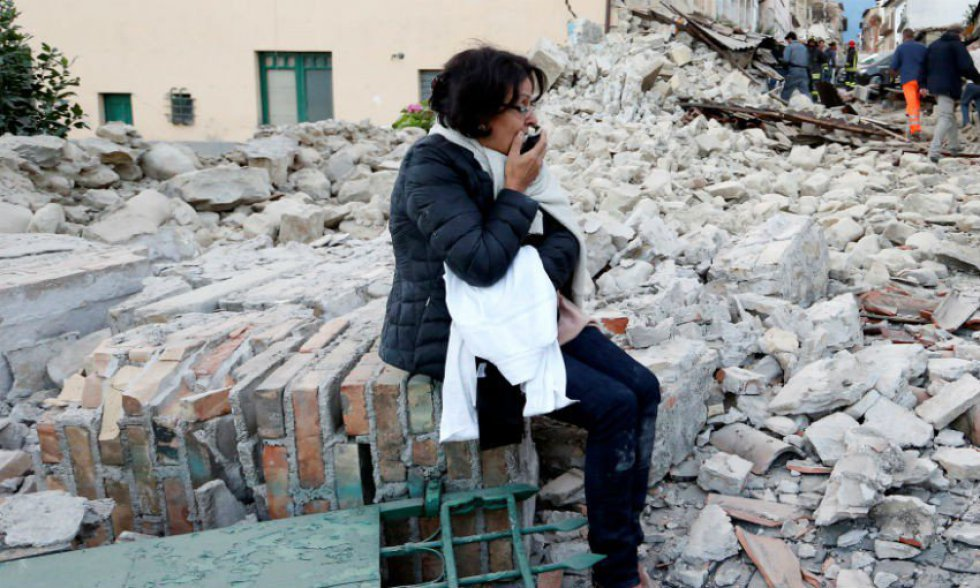 Terremoto en Italia deja más de un centenar