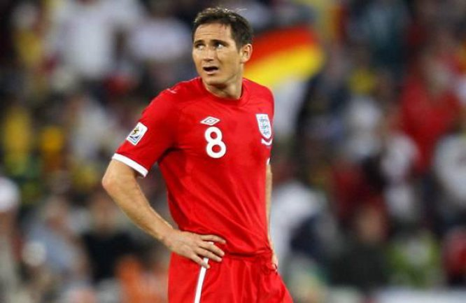 Cuatro años después, Frank jugó su segundo Mundial. Pero las cosas en Sudáfrica no fueron distintas a cuatro años atrás, pues Inglaterra volvió a decepcionar luego de ser goleada por Alemania en octavos de final.