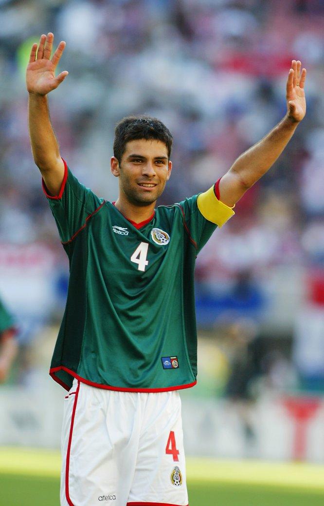 Rafa Márquez jugó su primer Mundial con el Tricolor en Corea-Japón 2002, evento en el que portó el brazalete de capitán