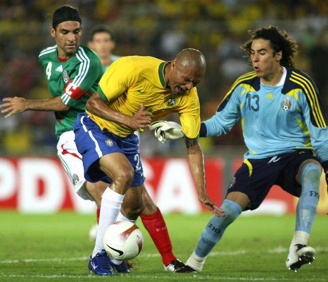 La imagen data del 27 de junio de 2007, día que México debutó en la Copa América celebrada en Venezuela con una victoria por 2-0 sobre Brasil, que a la postre se coronó