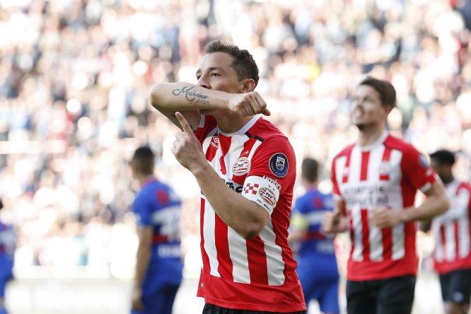 Andrés Guardado tuvo un domingo de ensueño en la goleada (5-0) del PSV sobre el Willem II. El mediocampista mexicano colaboró con un gol y con tres asistencias.