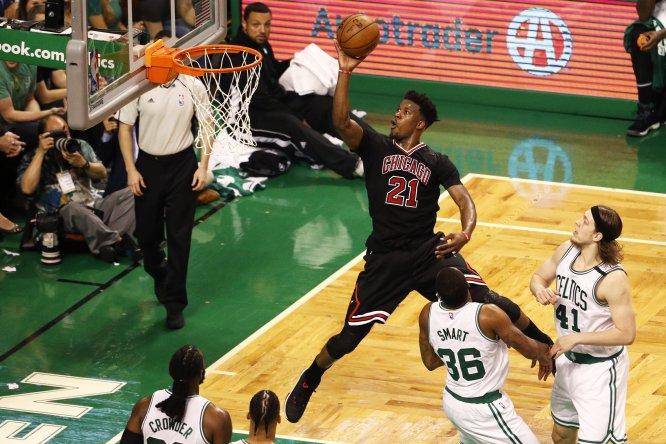 Los amantes del deporte ráfaga están más que contentos con el comienzo de los playoffs de la NBA. La imagen corresponde al juego que Chicago Bulls derrotó 106-102 a los Celtics de Boston