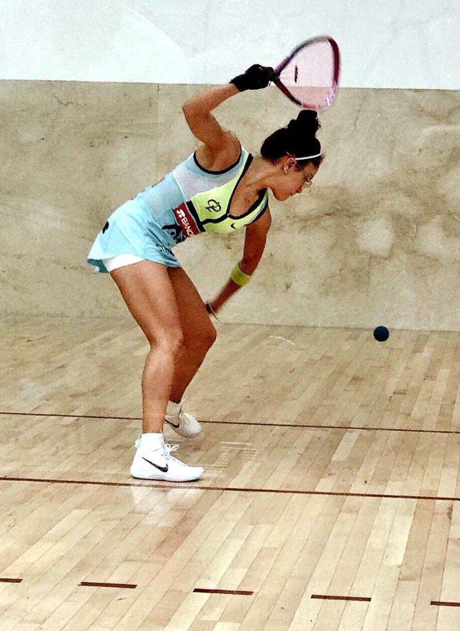 La racquetbolista mexicana Paola Longoria cayó ante la estadounidense Rhonda Rajsich en la Final del Panamericano de Racquetbol, con lo que perdió un partido por primera vez en seis años. Sumaba 188 triunfos consecutivos.