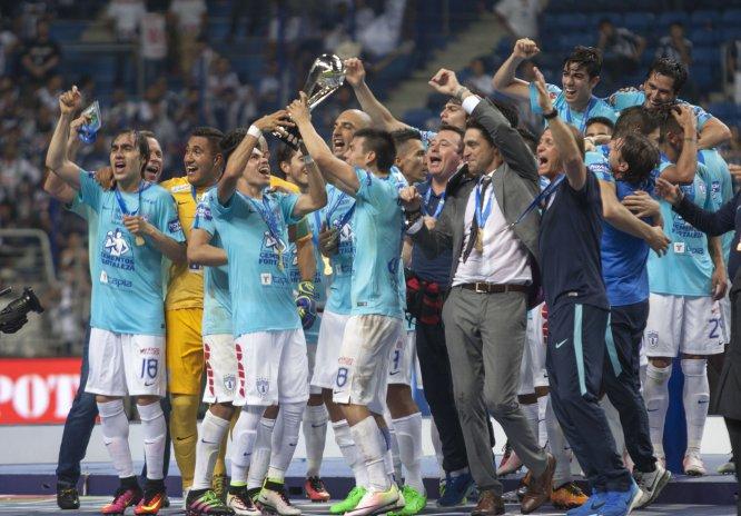 En el Clausura 2016, el turno de levantar el trofeo de la Liga MX fue para el Pachuca, que derrotó por global de 2-1.